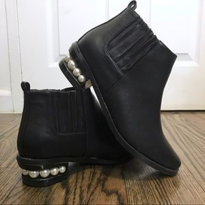 Catherine | Catherine Malandrino black booties